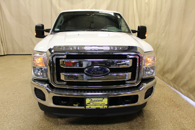 2013 Ford Super Duty F-250 Tommy lift gate XLT Roscoe, Illinois 3