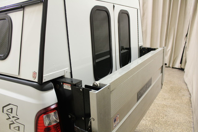 2013 Ford Super Duty F-250 Tommy lift gate XLT Roscoe, Illinois 5