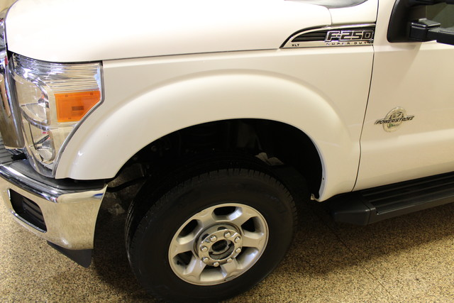 2013 Ford Super Duty F-250 Tommy lift gate XLT Roscoe, Illinois 8