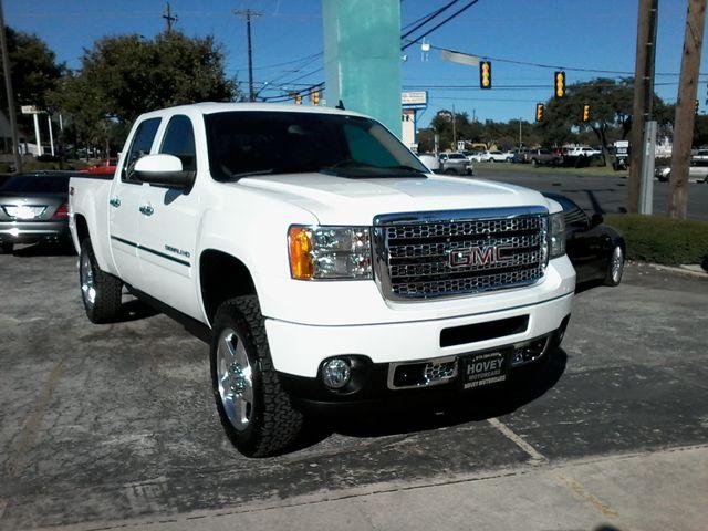 2013 GMC Sierra 2500HD Denali Z71Pkg San Antonio, Texas 1
