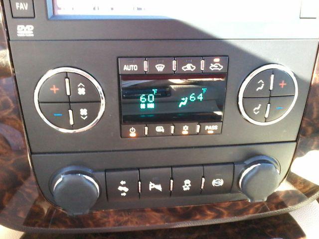 2013 GMC Sierra 2500HD Denali Z71Pkg San Antonio, Texas 21