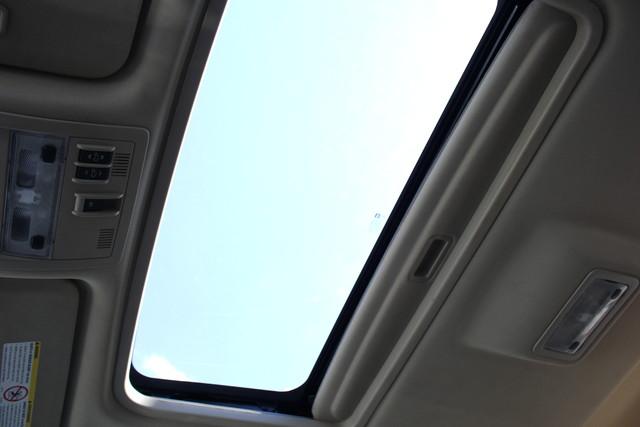 2013 GMC Sierra 3500HD Denali Crew Cab Long Bed 4X4 - NAVIGATION-SUNROOF! Mooresville , NC 20