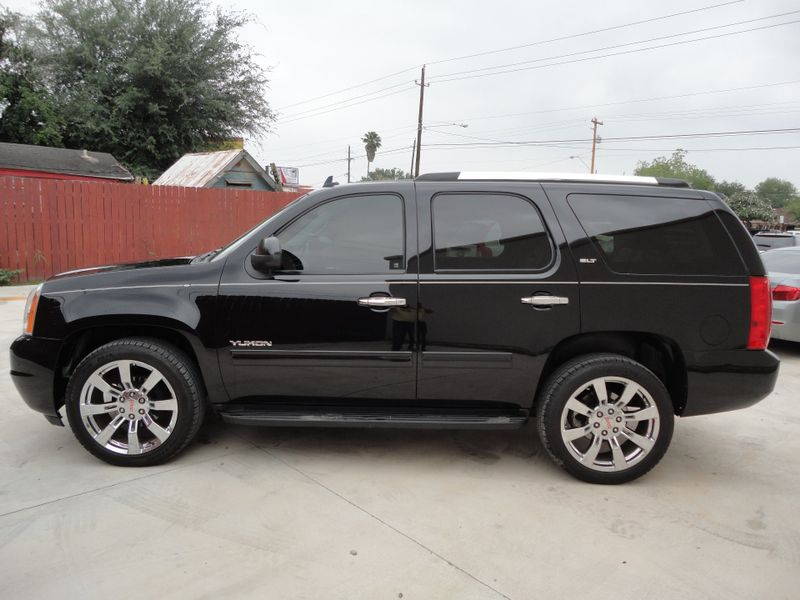 2013 GMC Yukon SLT  Brownsville TX  English Motors  in Brownsville, TX