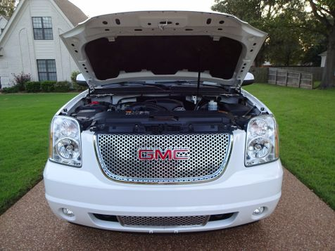 2013 GMC Yukon Denali  | Marion, Arkansas | King Motor Company in Marion, Arkansas