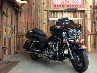 2013 Harley-Davidson Electra Glide® Ultra Limited 110th Anniversary Edition Anaheim, California 12