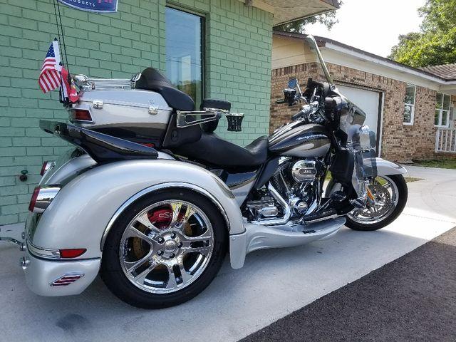 2013 Harley-Davidson Electra Glide® CVO™ Ultra Classic® Pensacola, Florida 13