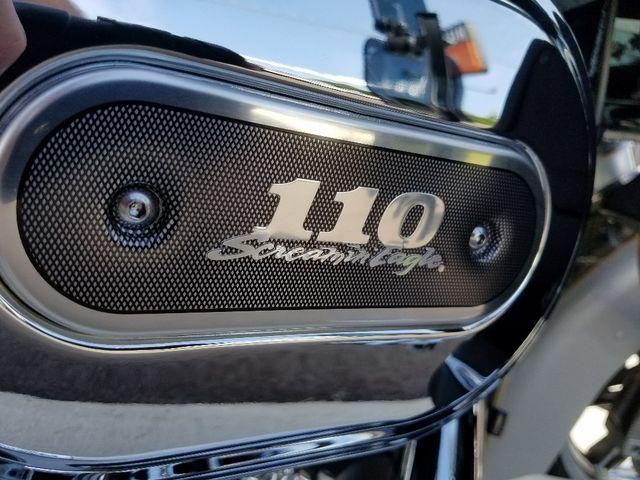 2013 Harley-Davidson Electra Glide® CVO™ Ultra Classic® Pensacola, Florida 6