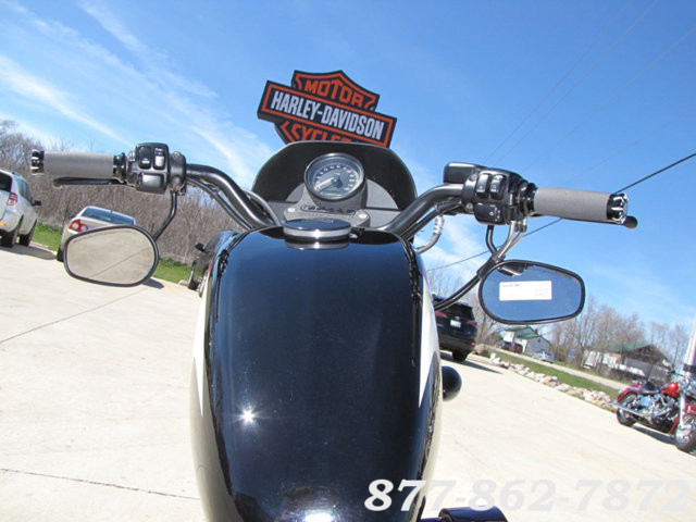 2013 Harley-Davidson SPORTSTER 883 IRON XL883N SPORTSTER 883 IRON McHenry, Illinois 16