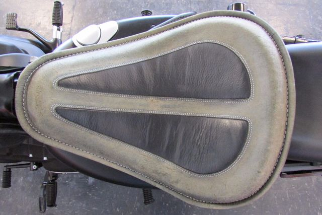 2013 Harley-Davidson Sportster 883 IRON XL883N Arlington, Texas 16