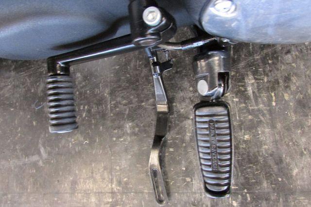 2013 Harley-Davidson Sportster 883 IRON XL883N Arlington, Texas 29