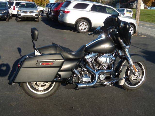 2013 Harley-Davidson Street Glide® Base Ephrata, PA 1