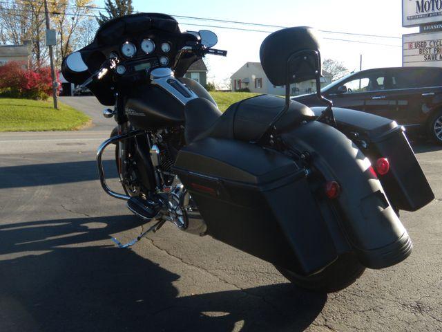 2013 Harley-Davidson Street Glide® Base Ephrata, PA 4