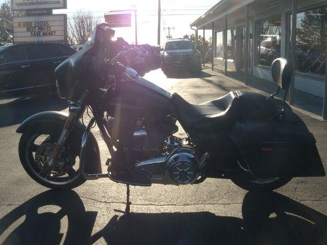 2013 Harley-Davidson Street Glide® Base Ephrata, PA 6