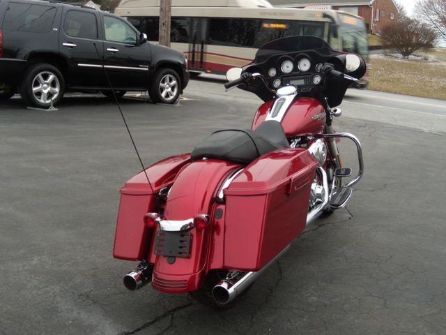 2013 Harley-Davidson Street Glide® Base Ephrata, PA 3