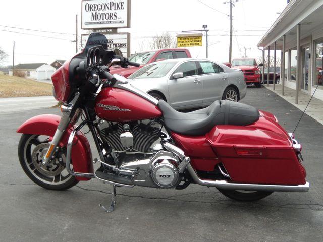 2013 Harley-Davidson Street Glide® Base Ephrata, PA 7