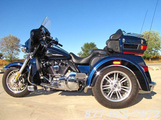 2013 Harley-Davidson TRIGLIDE ULTRA CLASSIC FLHTCUTG TRIGLIDE TRIKE 103 McHenry, Illinois 1