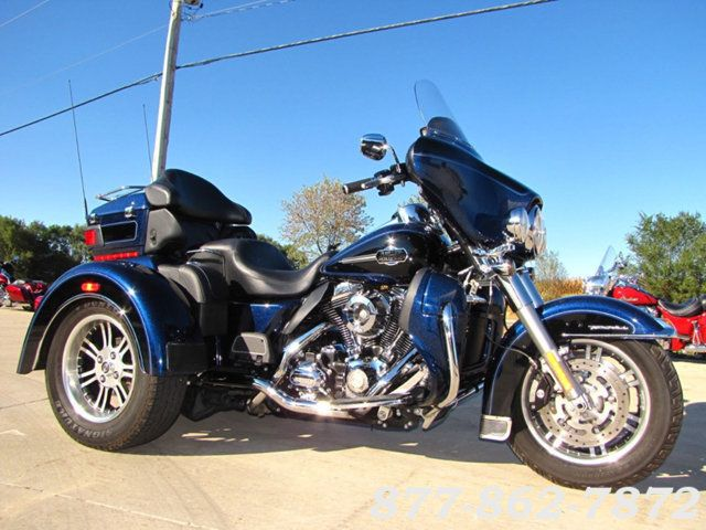2013 Harley-Davidson TRIGLIDE ULTRA CLASSIC FLHTCUTG TRIGLIDE TRIKE 103 McHenry, Illinois 2
