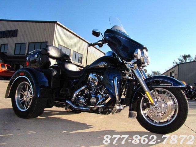 2013 Harley-Davidson TRIGLIDE ULTRA CLASSIC FLHTCUTG TRIGLIDE TRIKE 103 McHenry, Illinois 42