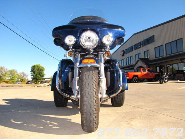 2013 Harley-Davidson TRIGLIDE ULTRA CLASSIC FLHTCUTG TRIGLIDE TRIKE 103 McHenry, Illinois 43