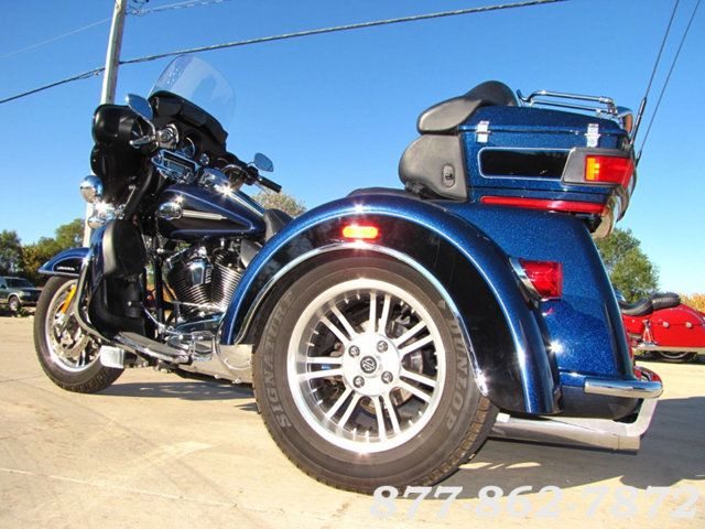 2013 Harley-Davidson TRIGLIDE ULTRA CLASSIC FLHTCUTG TRIGLIDE TRIKE 103 McHenry, Illinois 5