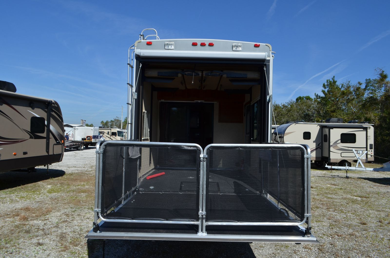 used toy hauler 2013 heartland cyclone 3010 fifth wheel rv for sale w rear patio. Black Bedroom Furniture Sets. Home Design Ideas