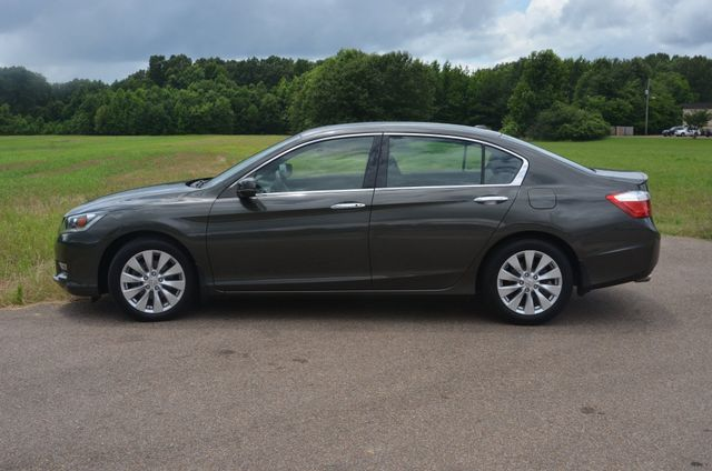 2013 Honda Accord V/6 Loaded EX-L Nav/1Owner Collierville, Tennessee 1