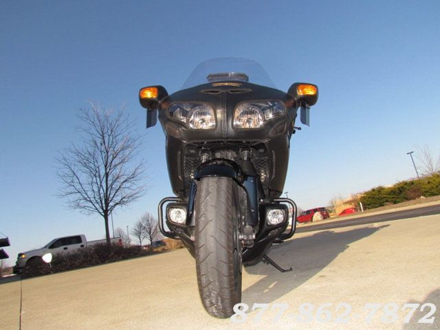 2013 Honda GOLD WING F6B DELUXE GL1800BDD GOLD WING F6B DELUXE McHenry, Illinois 32