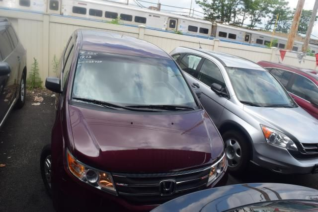 2013 Honda Odyssey LX Richmond Hill, New York 2