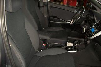 2013 Hyundai Accent 5-Door SE Bentleyville, Pennsylvania 8
