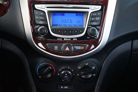 2013 Hyundai Accent 5-Door SE in Lighthouse Point, FL