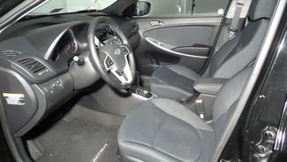 2013 Hyundai Accent 5-Door SE Virginia Beach, Virginia 13