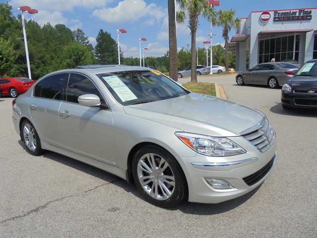 used hyundai genesis for sale in augusta ga 12 cars from 10 995. Black Bedroom Furniture Sets. Home Design Ideas