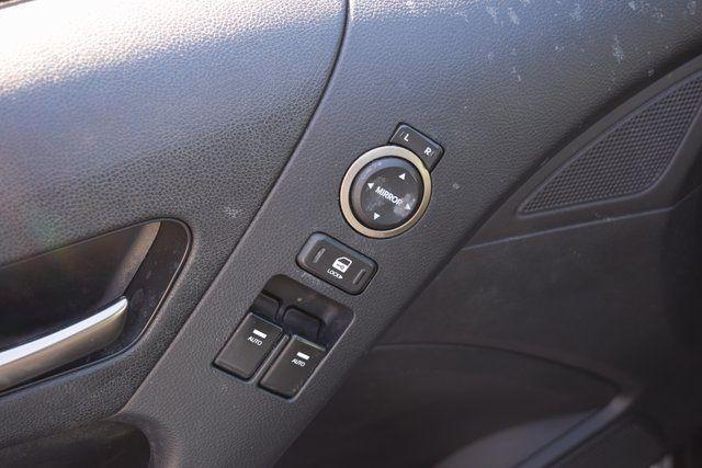 2013 Hyundai Genesis Coupe 3.8 Grand Touring Richmond Hill, New York 13