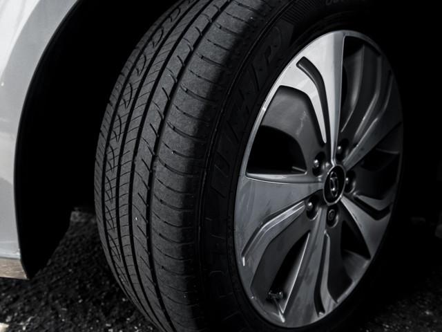 2013 Hyundai Sonata Hybrid Limited w/Panoramic Sunroof Pkg Burbank, CA 12