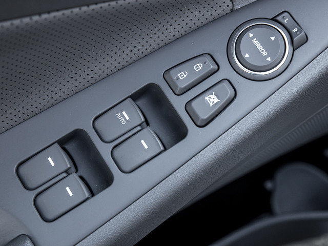 2013 Hyundai Sonata Hybrid LIMITED Burbank, CA 16