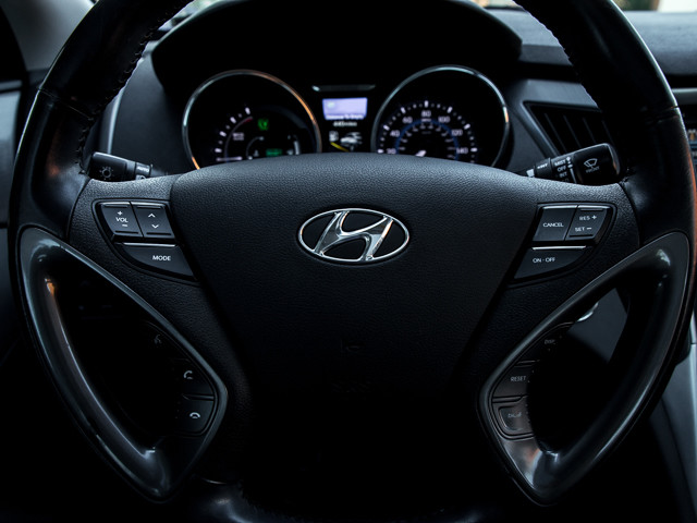 2013 Hyundai Sonata Hybrid Limited w/Panoramic Sunroof Pkg Burbank, CA 26