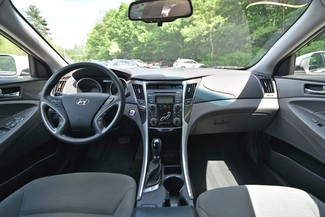 2013 Hyundai Sonata Hybrid Naugatuck, Connecticut 15