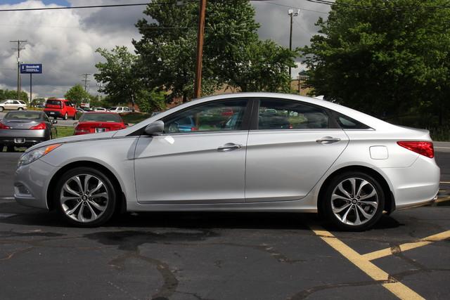 2013 Hyundai Sonata SE Mooresville , NC 3
