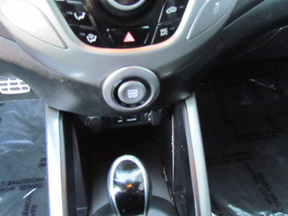 2013 Hyundai Veloster w/Black Int Sacramento, CA 23