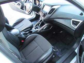 2013 Hyundai Veloster w/Black Int Sacramento, CA 24