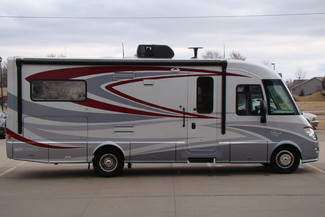 2013 Itasca Reyo M25T Mercedes Sprinter Bettendorf, Iowa 11