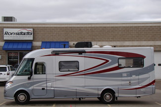 2013 Itasca Reyo M25T Mercedes Sprinter Bettendorf, Iowa 3