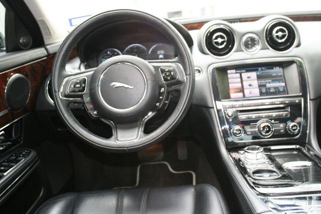 2013 Jaguar XJ Houston, Texas 12