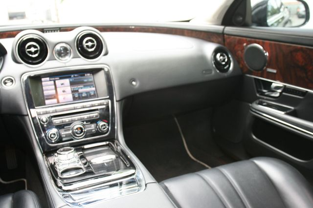 2013 Jaguar XJ Houston, Texas 13
