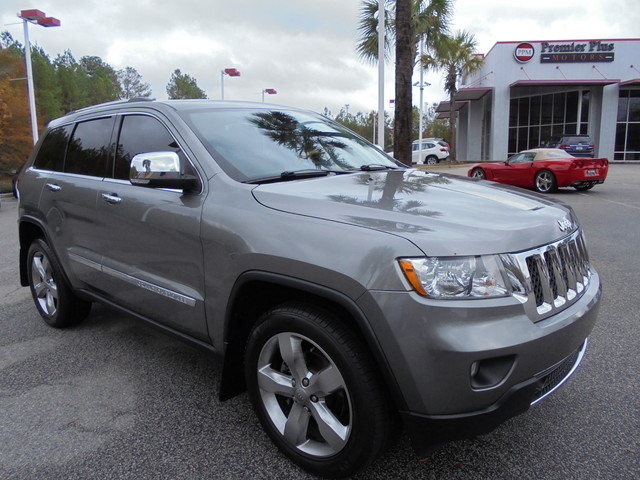 2013 Jeep Grand Cherokee Overland DISCLOSURE Internet pricing is subject to change daily It is a