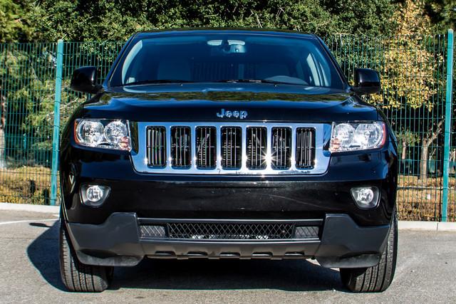 2013 Jeep Grand Cherokee Laredo - AUTO - 57K MILES - TOW PKG - NEW TIRES Reseda, CA 3