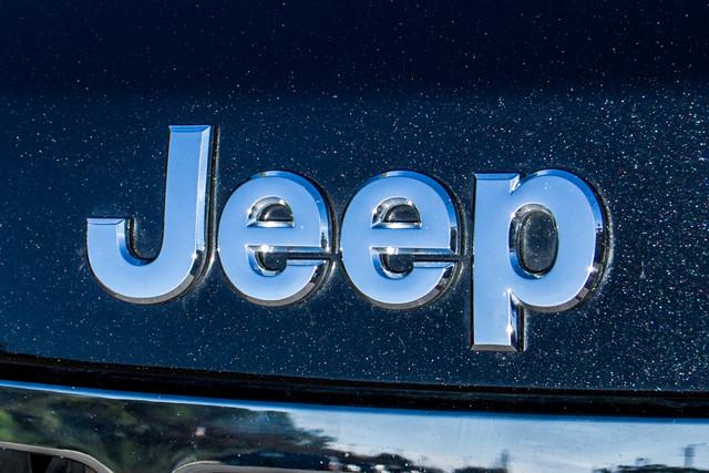 2013 Jeep Grand Cherokee Laredo - AUTO - 57K MILES - TOW PKG - NEW TIRES Reseda, CA 44