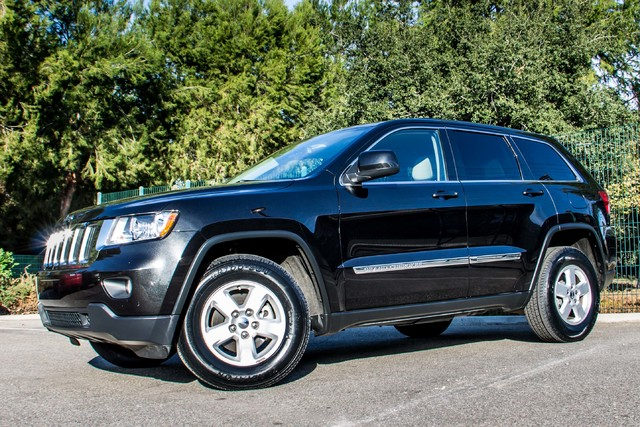 2013 Jeep Grand Cherokee Laredo - AUTO - 57K MILES - TOW PKG - NEW TIRES Reseda, CA 38