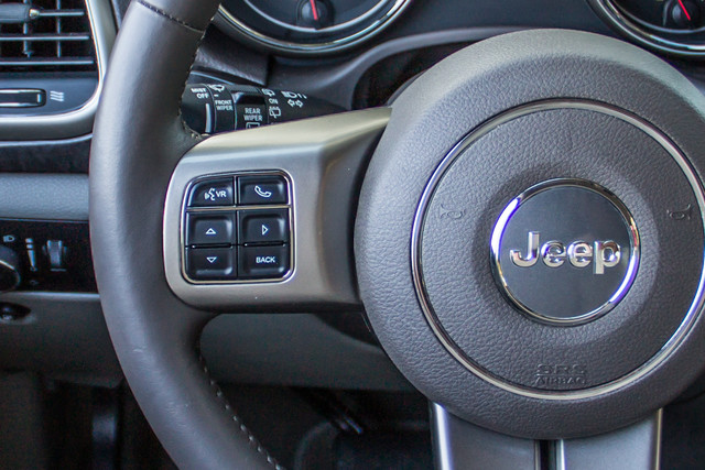 2013 Jeep Grand Cherokee Laredo - AUTO - 57K MILES - TOW PKG - NEW TIRES Reseda, CA 20