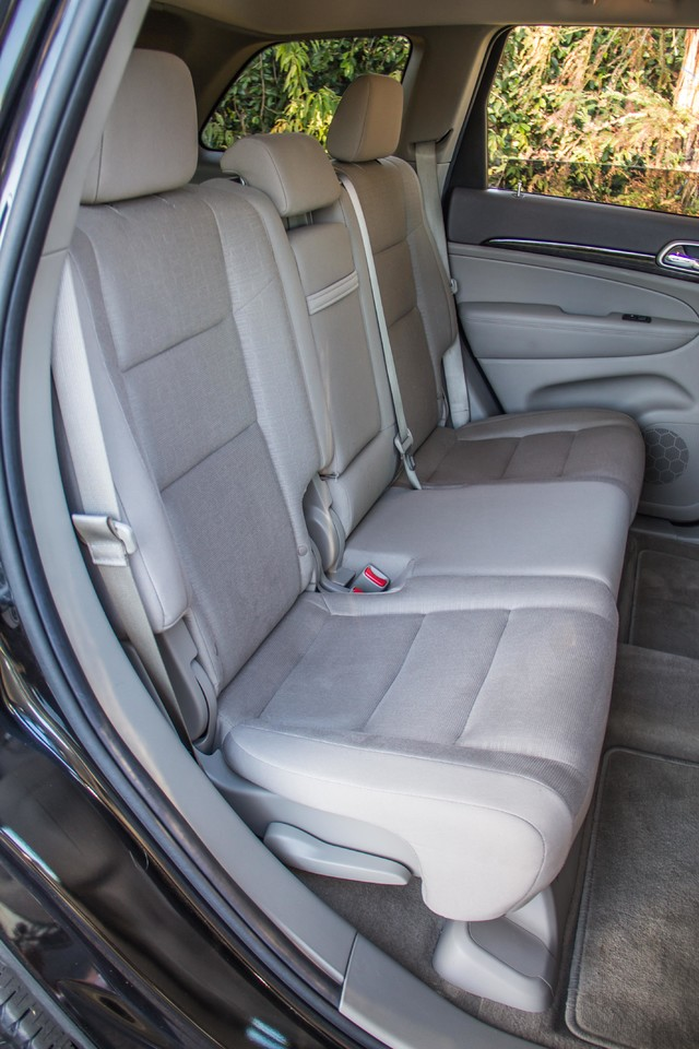 2013 Jeep Grand Cherokee Laredo - AUTO - 57K MILES - TOW PKG - NEW TIRES Reseda, CA 31